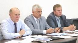 Город энергетиков растет: в Островце обсудили ход строительства ключевых объектов